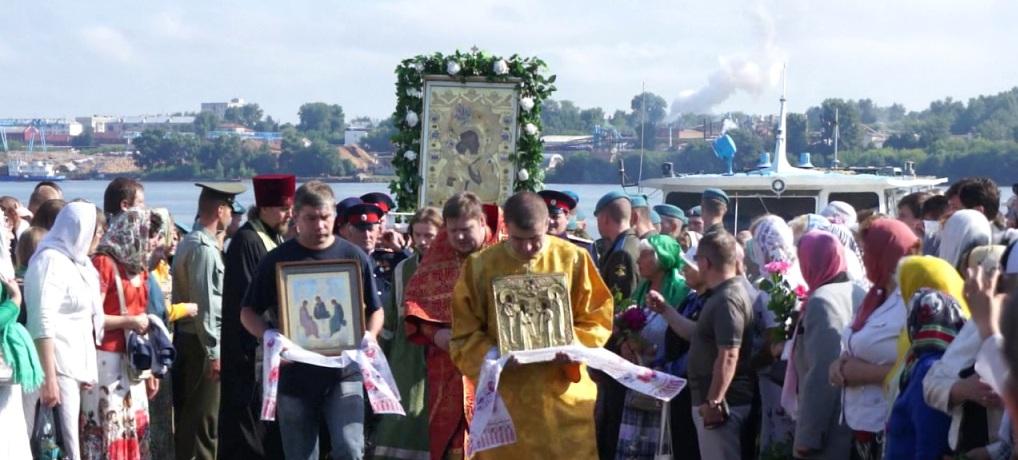 Пятидесятница. Святая Троица. Престольный праздник Александро-Антониновского храма в Селище